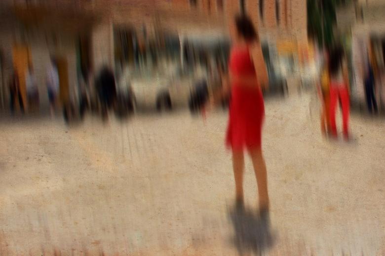 lady in red ... - Bedankt voor de reactie&#039;s bij de vorige foto&#039;s ...<br /> <br /> even vergroot zien ...lady in red.