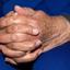 Handen van 85 jarige