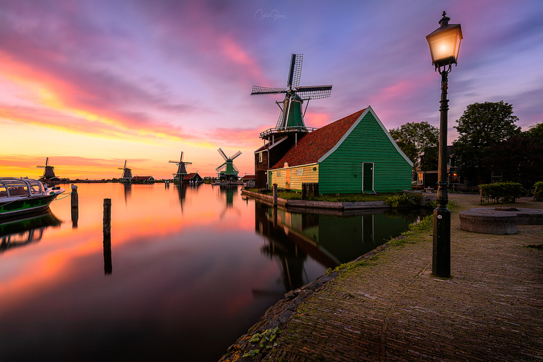Sunset serenity at the windmill village - Costas Ganasos Photography ©️ 2019<br /> iso 50, 16mm , f/14, 40sec met Lee Little Stopper