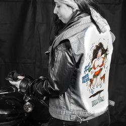 Harleychick ready to ride