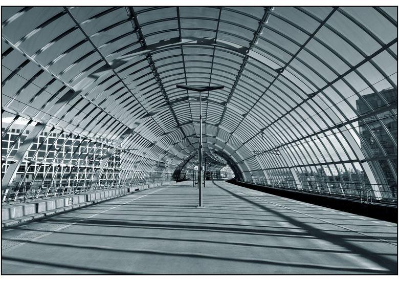 Station Hemboog 3 - Binnen, kijkend richting z/o.<br /> <br /> Iedereen weer hartelijk bedankt voor alle reacties.<br /> <br /> mvgr<br /> Jan