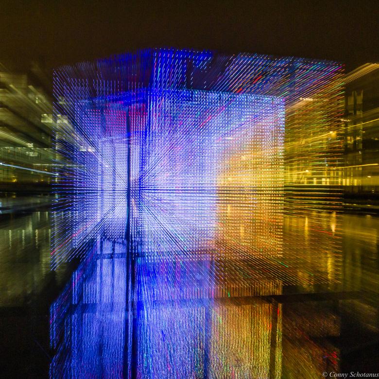 Glow Eindhoven - Gisteren naar Glow in Eindhoven geweest.<br />  Dit is een transparante lichtkubus van 3 meter hoog, breed en diep met 20.000 ledlam