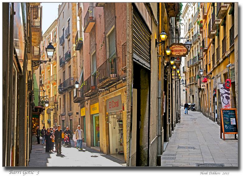 Barri Gòtic 3 .jpg - Hier nummer 3 van de wandeling door de jodenwijk Barri Gòtic. in Barcelona.<br /> Een restaurant uit 1786 of ik het geloven kan