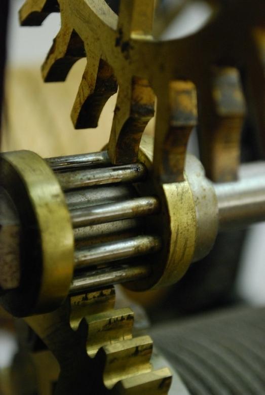 De raders van een uurwerk  - In het klokkenmuseum in de Harz heb ik toch maar eens wat detailfoto's geprobeerd te maken.