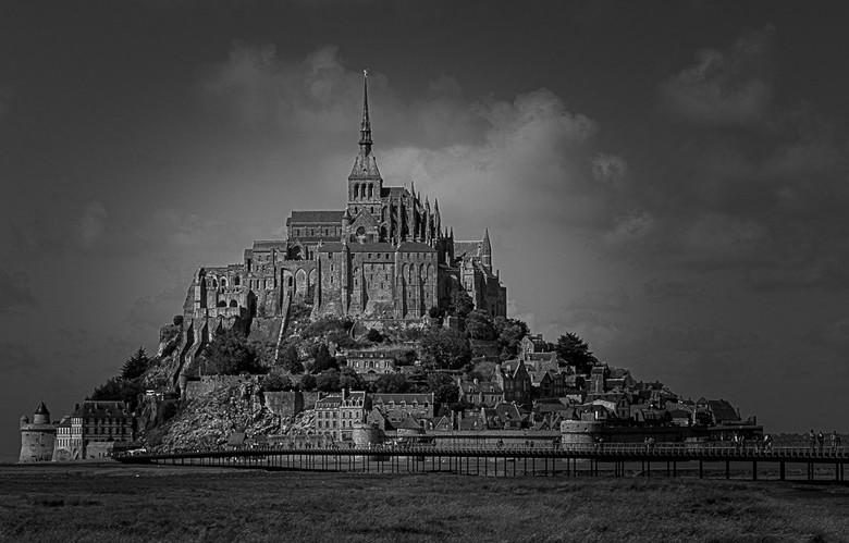 Mont St Michel - Ze behoeft geen kleur !