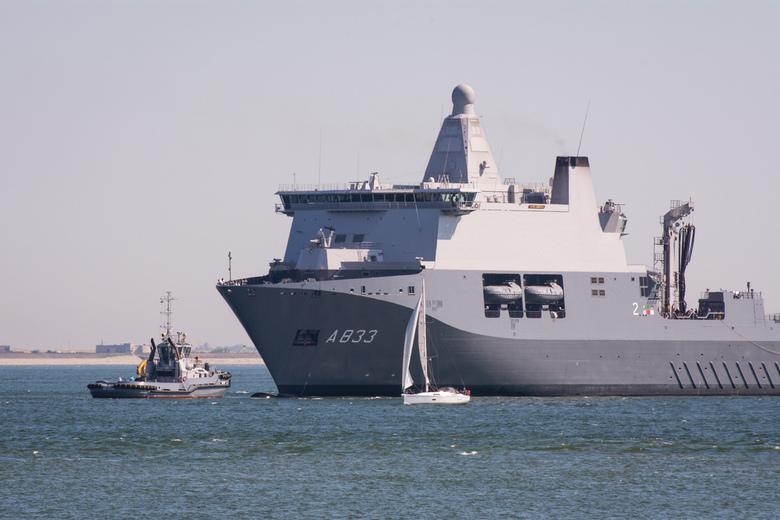 Bijna thuis... - De Karel Doorman keert terug in Den Helder na een missie van 2,5 maand elders in de wereld