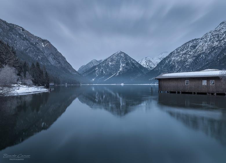 heiterwangersee II - Sneeuw, bergen en een meertje...ik kan er wel aan wennen.<br /> Gemaakt bij de Heiterwangersee vlakbij Ehrwald in Oostenrijk