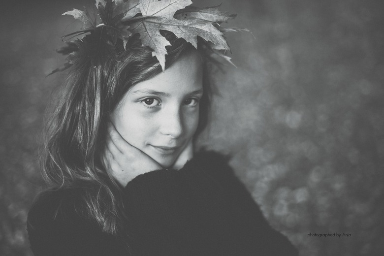 Crown-with-leaves-girl.