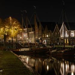 De haven van Spakenburg bij nacht