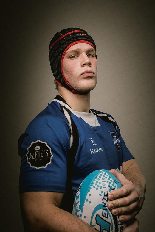 heinze muur.jpg - Rugby speler