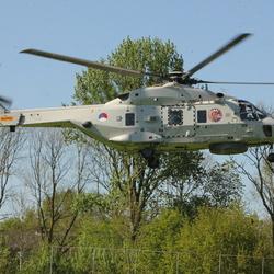 De Helikopter van de Marine de N 318