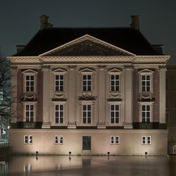 Mauritshuis by night