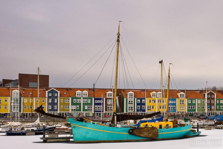 Kleuren - Bonte kleuren in de haven van de vesting van Hellevoetsluis.