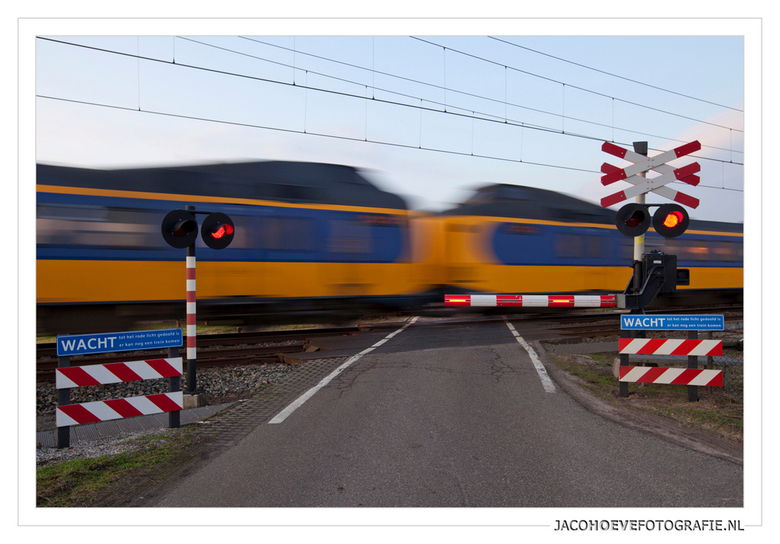 Wacht.... - Genomen op 28 januari 2012 in Nieuwleusen.