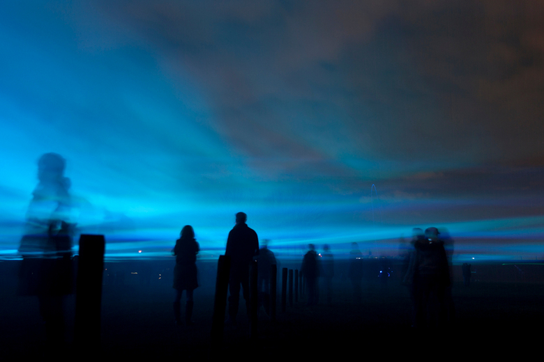 Waterlicht ii - Het kunstwerk Waterlicht in Westervoort, 2015. Met lasers wordt de indruk gewekt dat je je onder de waterspiegel bevind, wanneer het w