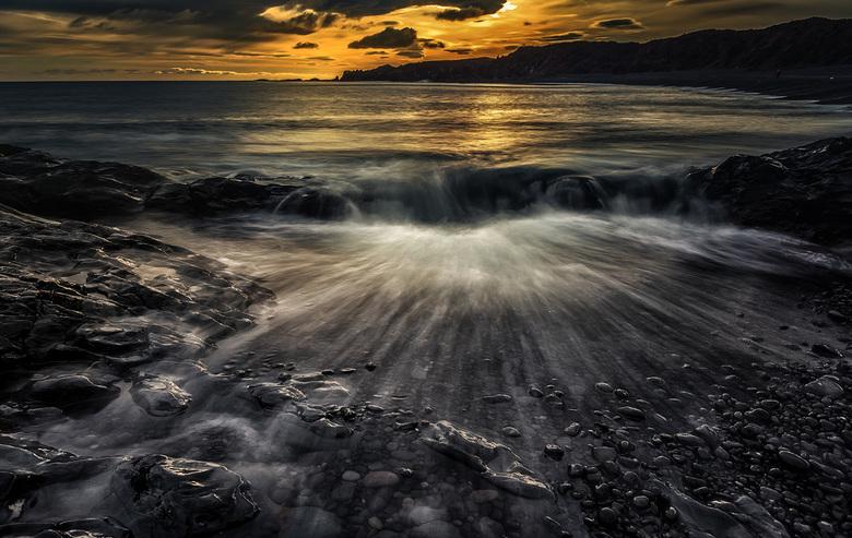 The Wave - De kust van Reykjanesbaer  , IJsland