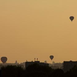 Ballonnen bij zonsondergang