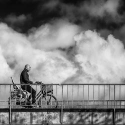 Fietsen in de wolken