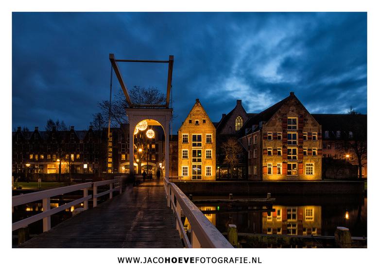 """Zwolle - Vanavond tijdens het &#039;blauwe uur&#039; een paar sfeerplaten gemaakt in de stad van de Blauwvingers. Zwolle dus <img  src=""""/images/smiley"""