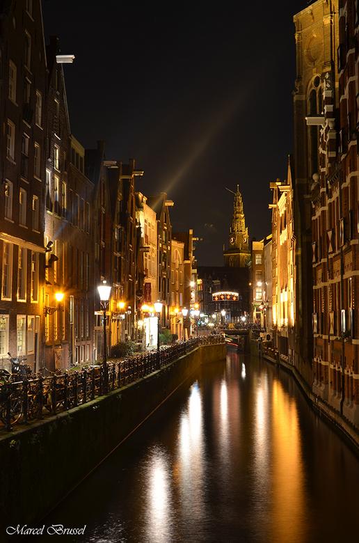 evening - onlangs de route gevolgd van het lightfestival in amsterdam,maar ook andere delen van de stad zijn de moeite waard om vast te leggen.
