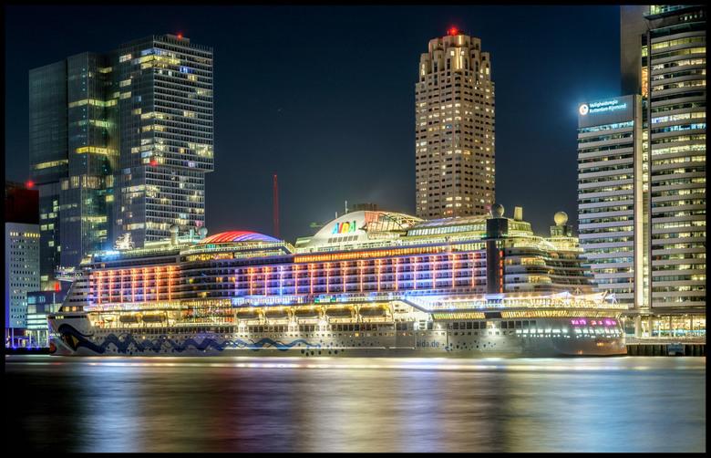 Aida Prima,......Rotterdam - Aida Prima voor het eerst aan de kade van Rotterdam ,....April 2016