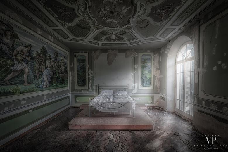 Urbex Morning - Heerlijke ochtend in een verlaten Italiaanse villa