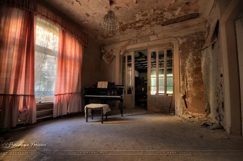 Play me a song - Meer updates op mijn FB pagina: https://www.facebook.com/pages/Angelique-Brunas/336799696342324