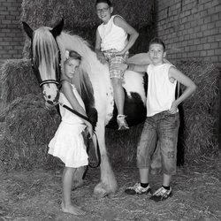kinderen met paard