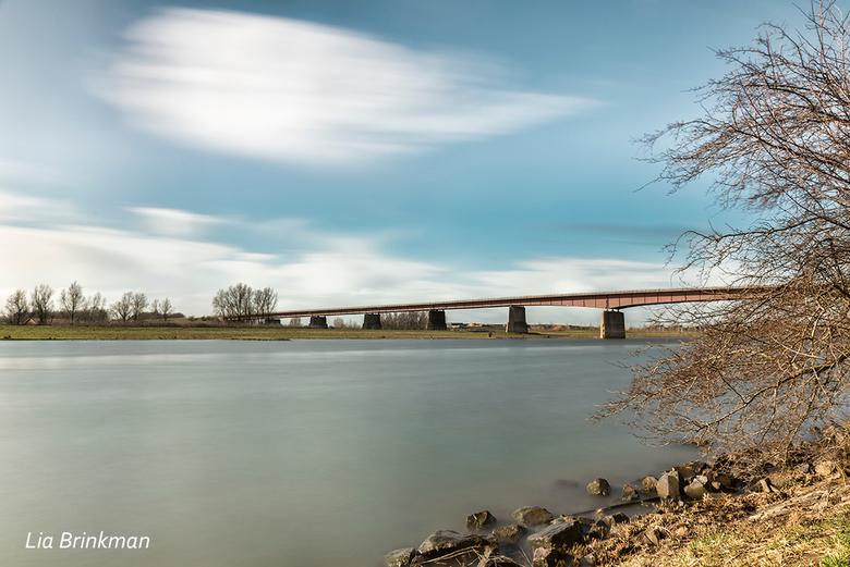 Stilte na de storm - Stilte na de storm,<br /> Na de storm van donderdag is er nu rust en stil langs de Rijn. Af en toe liet de zon zich even zien en