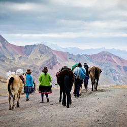 Een epische tocht naar Rainbow Mountain