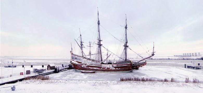 Batavia 21 December 2010 - Batavia vast gevroren in de sneeuw