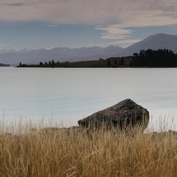 Eenzame rots, Lake Tekapo
