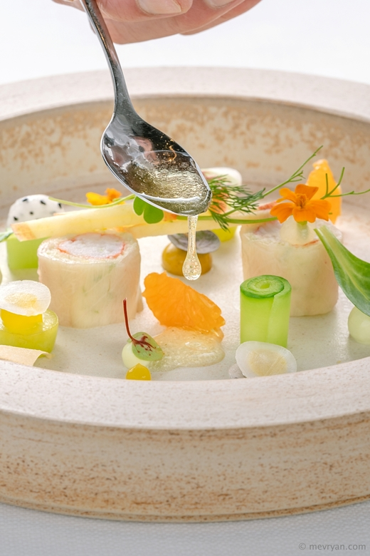 The art of plating - Food fotografie.<br /> Kingcrab &amp; kingfish, bereid door Michelin ster chef Arturo Dalhuisen.<br />
