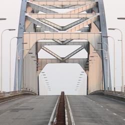 Een brug teveel!