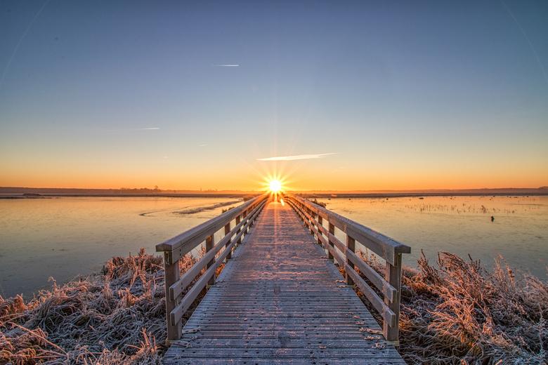 Brug Dannemeer 't Roegwold Schildwolde Midden-groningen - Een licht op mijn pad via een brug naar de zon.<br /> <br /> Deze foto heb ik genomen tijd