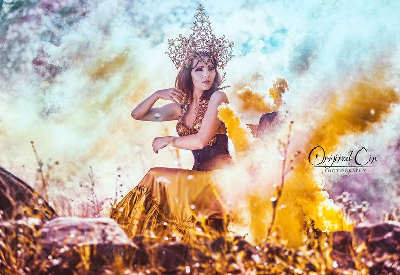 Withering Time - Model: Michelle-Anne Lucas<br /> Photographer: Original Cin Photography <br /> Muah: Kaja Dobroń Make Up Artist<br /> Headpiece +