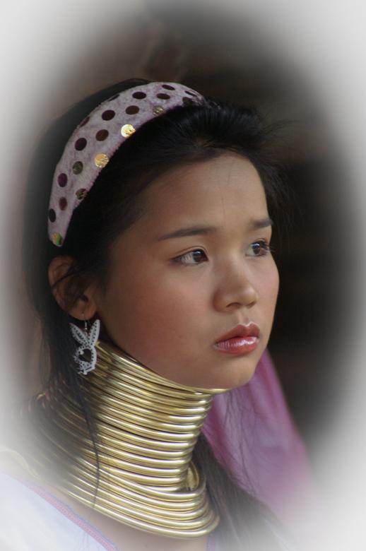 Thailand - Langnek