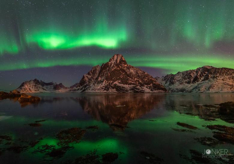 Aurora madness - Prachtig noorderlicht in de Lofoten. Wat een spektakel! Dat gevoel is op geen 1 foto te beschrijven, zoiets moet je ervaren
