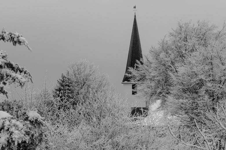 Wintertijd  - De dagen worden korter. Van de week zag ik op TV al de eerste plaatjes van sneeuw en rijp.<br /> <br /> Deze is van begin dit jaar. Ge