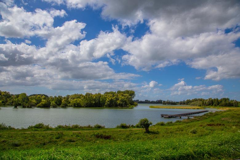 De Crob bij Haaften - Hollandse wolken bij een Hollands landschap.