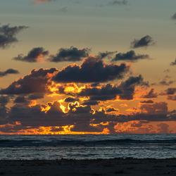 Zonsondergang op het strand van Egmond aan Zee