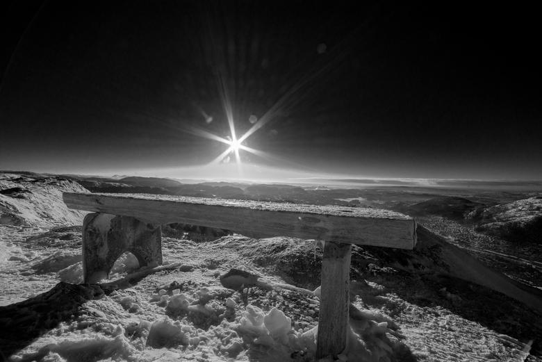 Bergen - HDR bewerking, en daarna omgezet naar zwart wit. Foto gemaakt in de bergen nabij de plaats Bergen in Noorwegen