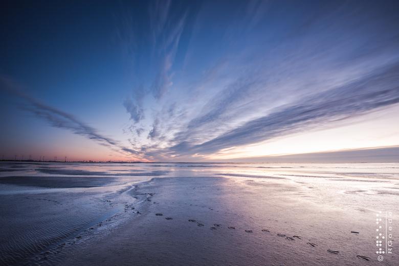 Dollard Sunrise - Een mooi begin van 2018 en heerlijk om weer eens op pad te zijn en de zon zien opkomen. Een prachtige wolkenwaaier boven de Dollard