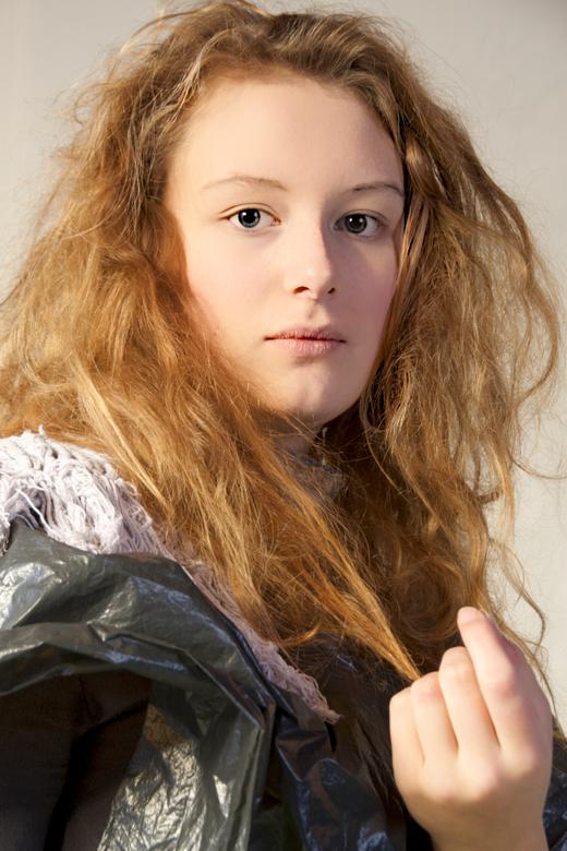 Assepoester - Actrice uit de voorstelling 'Assepoester' van Roestvrij Theater uit Diever