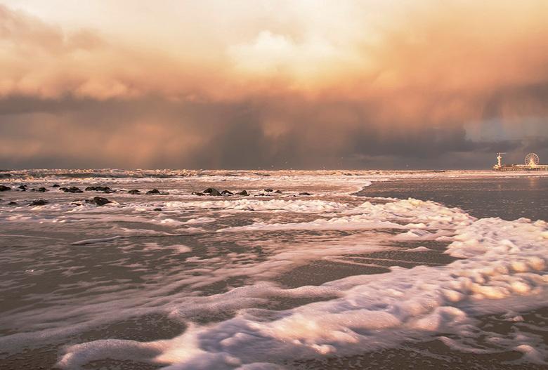 Hagelbui - Deze is ook van afgelopen maandag toen ik een hagelbui over me heen kreeg nadat ik nat was geworden toen ik een golf met lekker veel zeesch