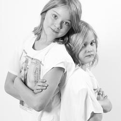 me granddaughters Chloe en Liv