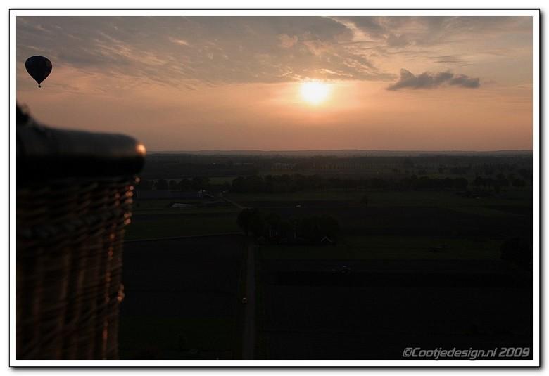 """Montgolfiade Almelo 2009 - Zo na lange tijd weer eens een plaatje plaatsen op Zoom... kijken of hier nog wat te beleven valt <img  src=""""/images/smiley"""