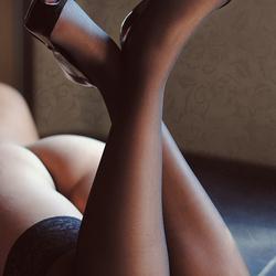 Legs 'n heels