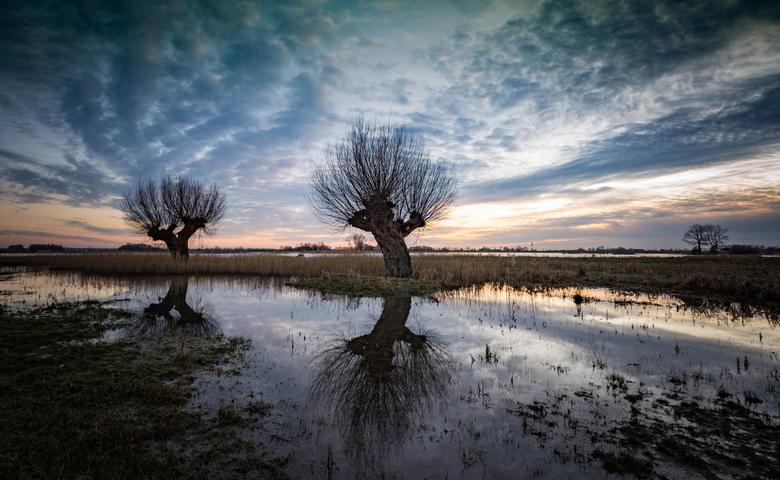 DSC_2755 - Het wegtrekkende water na de hoge waterstand aan de IJssel geeft mooie beelden