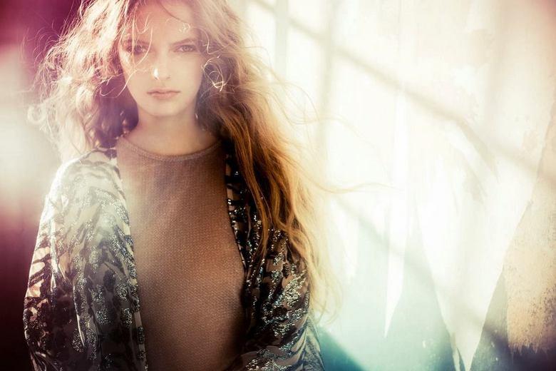 Iris - Model: Iris Venema <br /> Make-up: Charlotte Vb @ Colourfool Agency<br /> Fotografie: Maan.